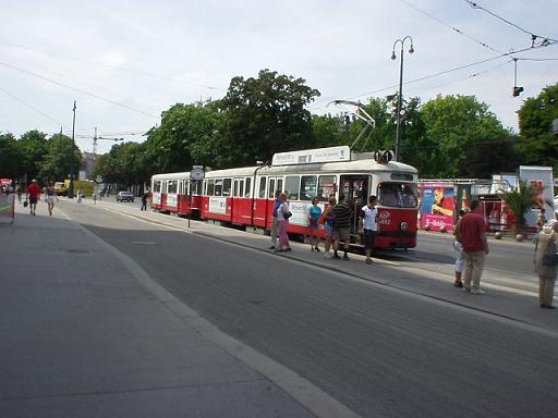 wienstrassenbahn.JPG